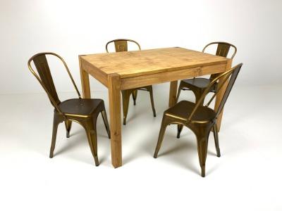 Comedor rectangular con 4 sillas Tolix Oro